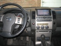 Nissan Pick-Up 2.5 dci 171 double-cabine platinum photo n° 2