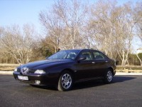Alfa Romeo 166 2.0 V6 TURBO Essence 1999 81000 noir 7500 EUR